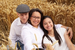 Family photo shoot outdoors