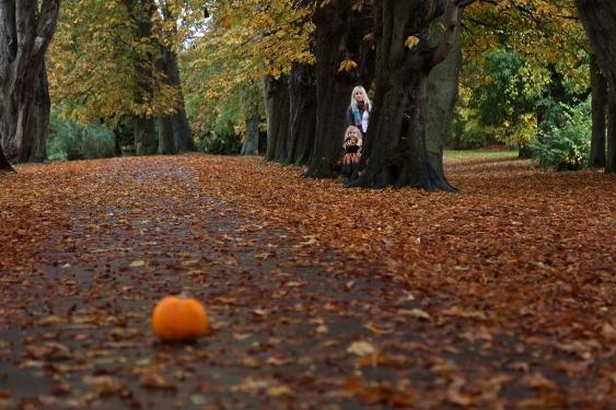 photoshoot-caldicotcastle-halloween-family