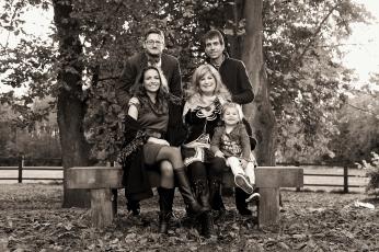 family-photographer-chepstow-castle