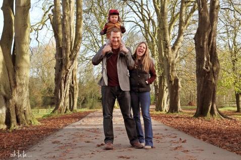 Father-mother-son-family-photo-shoot-caldicot-castle