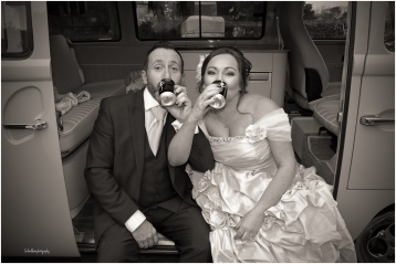 bride-and-groom -and-camper-van
