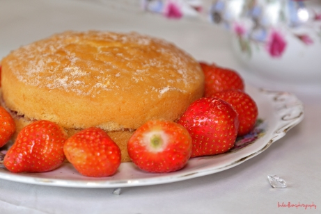 cake and strawberries
