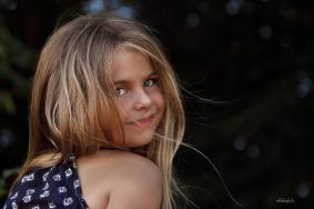 outdoor photo shoot of little girl